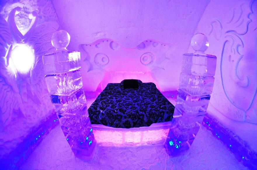 frozen-hotel-de-glace-quebec-canada2